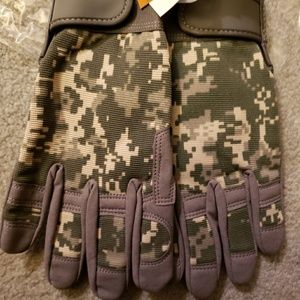 Camo hunting/hiking/etc gloves
